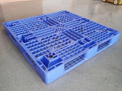 Gebruikte 110x110 kunststof pallet